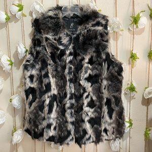 "Rachel Zoe Women's 1X Faux Fur Vest Size 24"" x 28"""